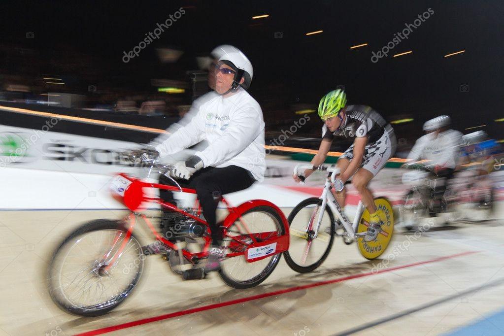 depositphotos_8885955-Derny-bike-race-wi