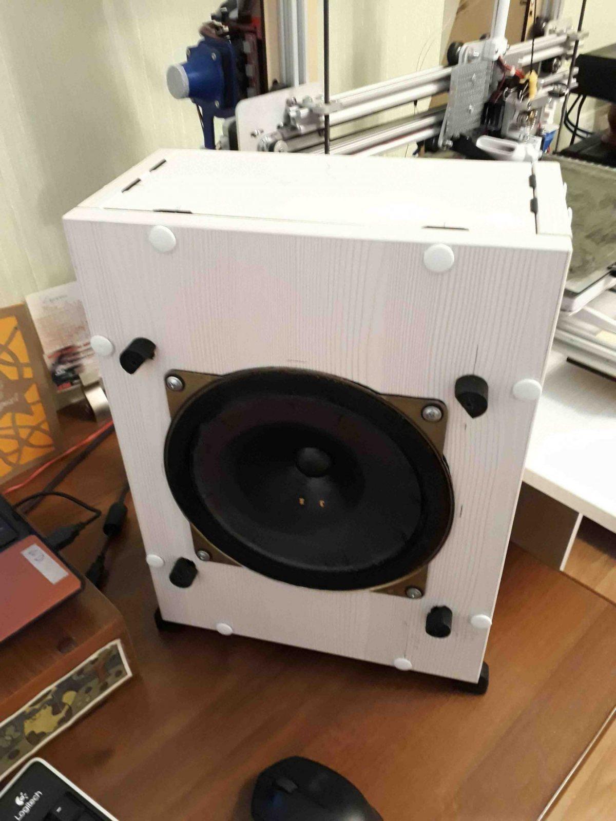 Second generation experimental loudspeaker(1) - l-st.q..jpg