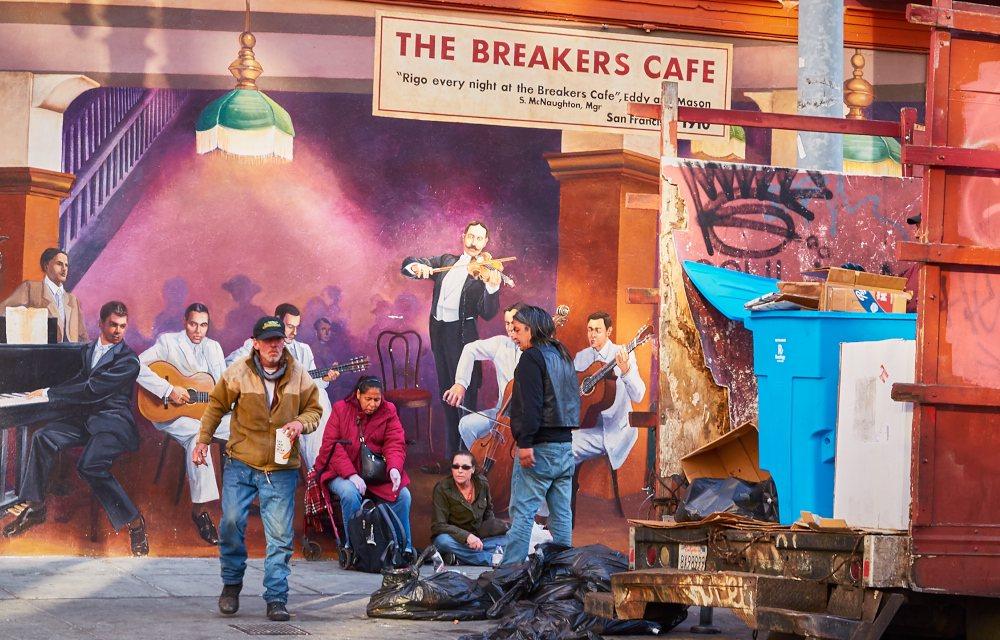 The_Breakers_Cafe_C106.jpg